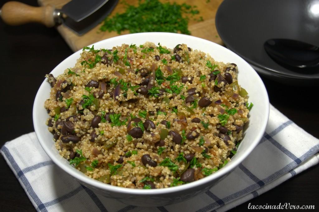 Quinoa con frijoles negros y cilantro #QueRico