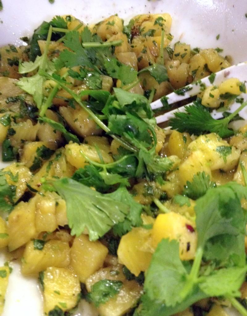 salsa de piña y cilantro