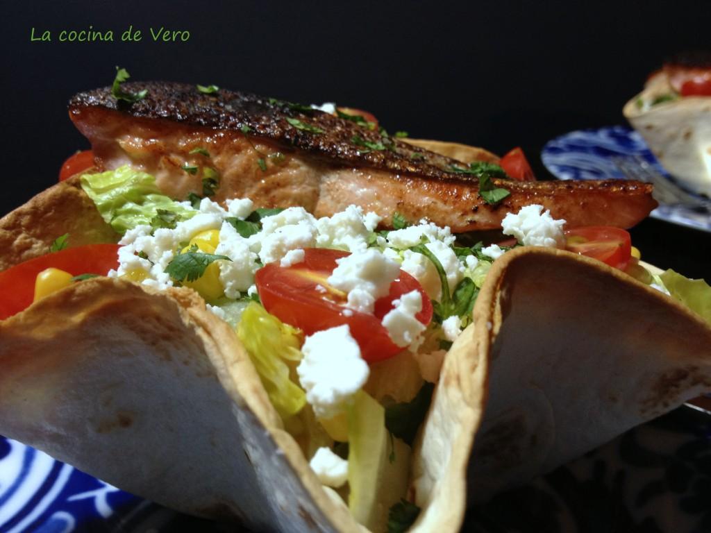 Ensalda de salmon a la mexicana
