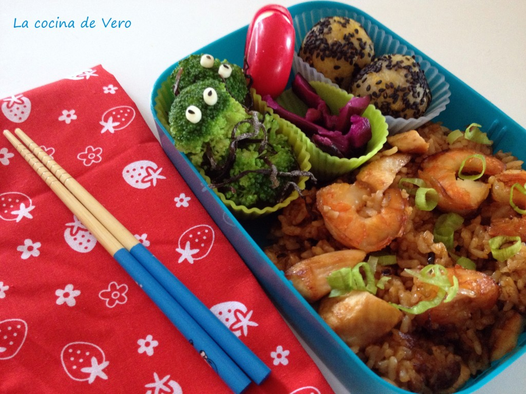 bento con arroz frito
