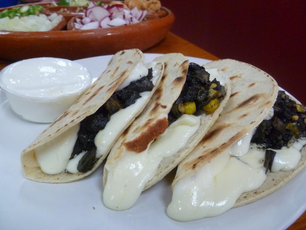 quesadillas de huitlacoche - tenango's
