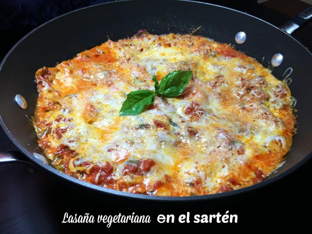 Lasaña vegetariana en el sartén
