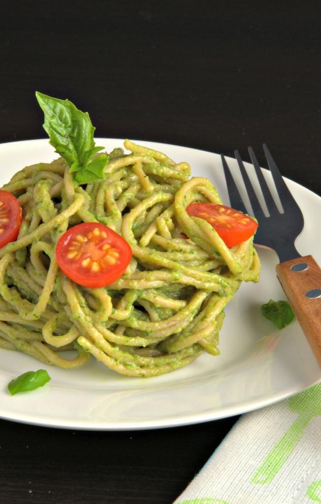 espaguetis-con-salsa-de-aguacate