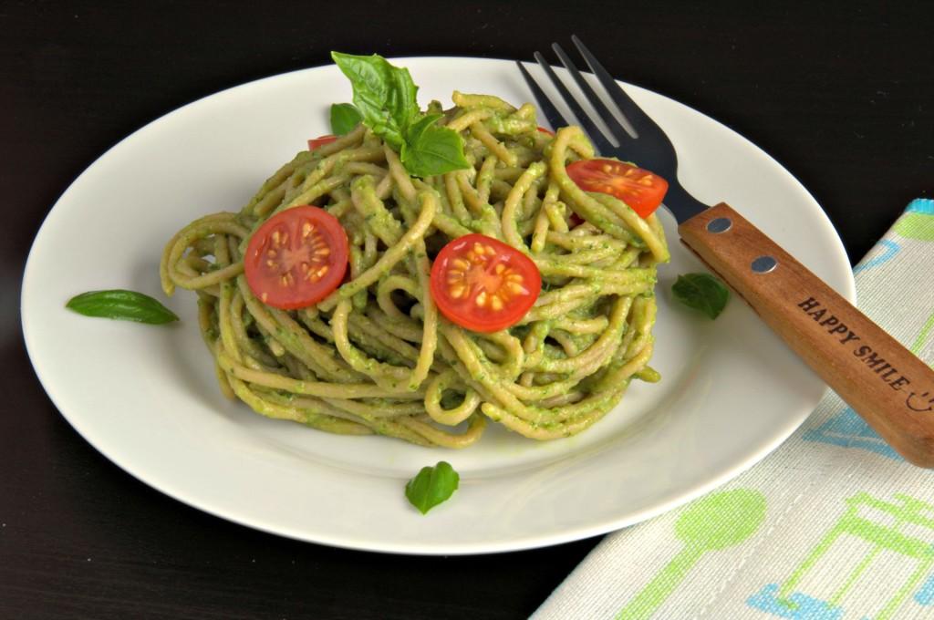 Espaguetis-con-salsa-de-aguacate-H