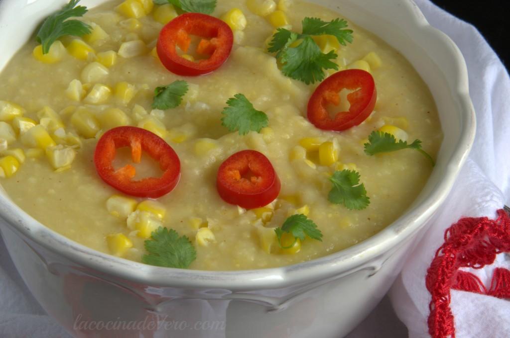 corn-chowder-crema-de-maiz