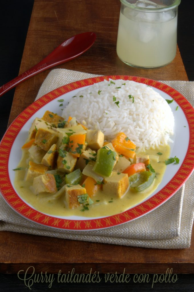 Curry tailandés verde con pollo