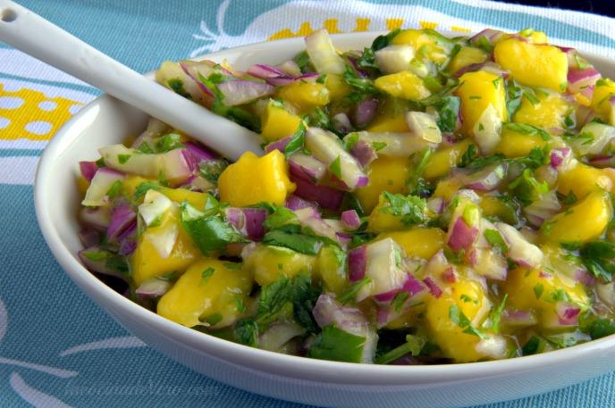 Salsa de mango para tacos de pescado